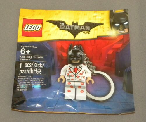 The LEGO Batman Movie Kiss Kiss Tuxedo Batman Keychain Minifigure Set 5004928