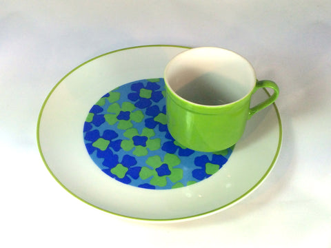 mugs and snack plates