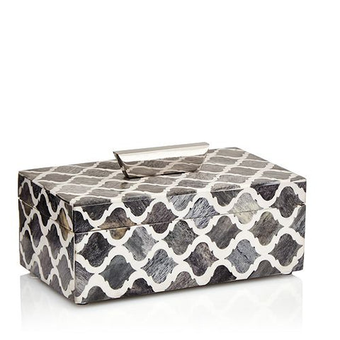 Rectangular box with a quatrefoil pattern throughout and a hinged lid with a metal handle.
