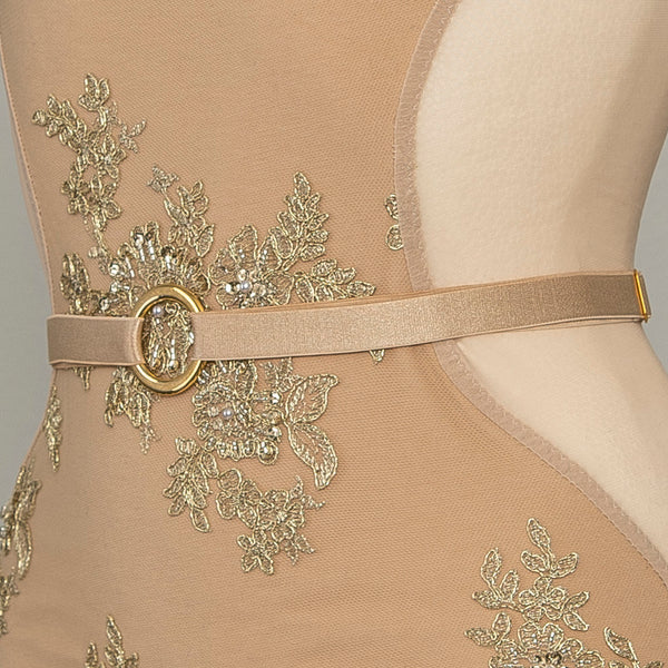 The side view of this fully adjustable belt shows the gold plated hardware detail.