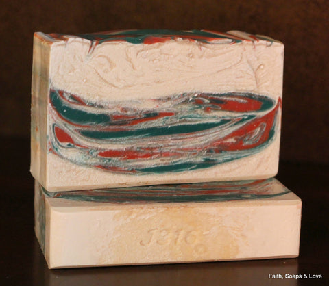 Christmas Dreams Handcrafted Christmas Soap - Cinnamon, Chocolate, Peppermint, Tangerine & Pine