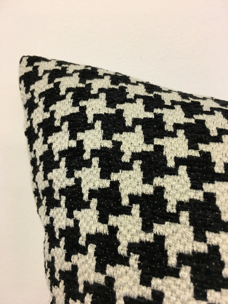 Houndstooth Black 17x17