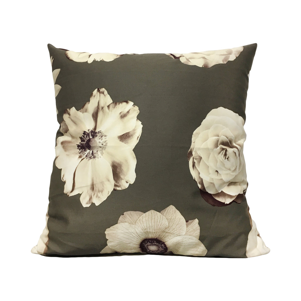 Iman Foto Fleur Throw Pillow 20x20""