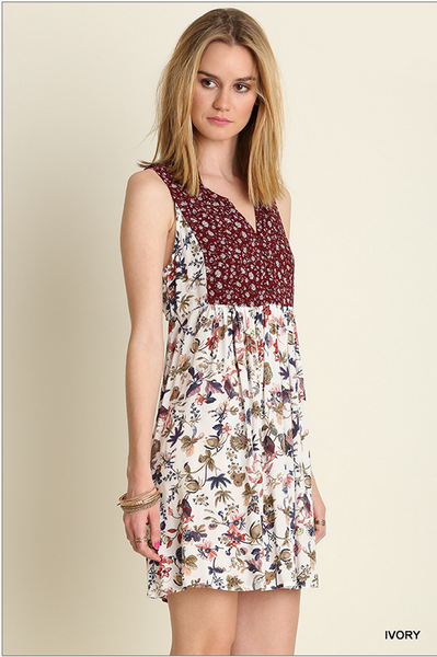 Sleeveless floral V-neck dress with vintage appeal