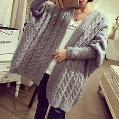 The new autumn/winter bat sleeve long sleeve twist cardigan sweater coat
