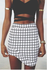 BLACK AND WHITE PLAID PERSONALITY PACKAGE BUTTOCKS SHORT SKIRT