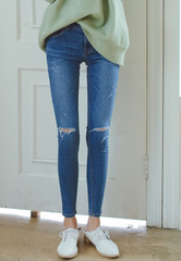 Scratched knee hole jeans thin denim pencil pants feet pants
