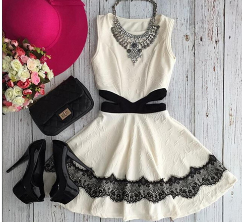 FASHION CUTE LACE SHOW BODY DRESS