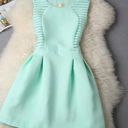 CUTE PURE COLOR SHOW BODY DRESS