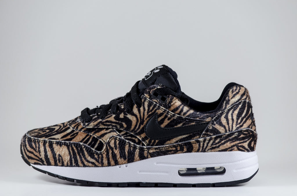 wholesale dealer 3d79b ee821 Nike Air Max 1 QS GS - LAKICKZ818 - 1