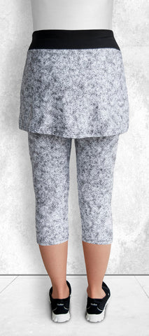 Skapris/White Granite (Capris with skirt attached)