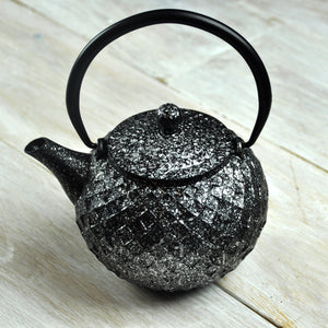 Supreme Cast Iron Teapot With Infuser & Stand Diamond Silver