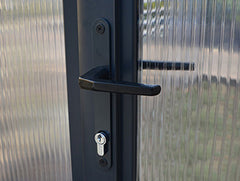 Lockable door handle