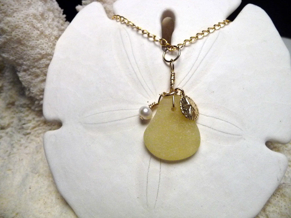 yellow pendant on gold filled 001