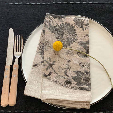 Napkins: Black plate - 4