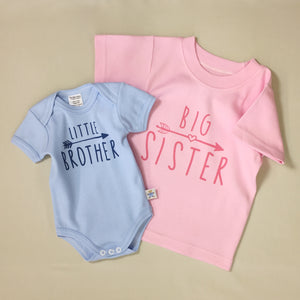 Little Brother Arrow graphic baby snap bodysuit Big Sister Arrow Graphic Q-Tee
