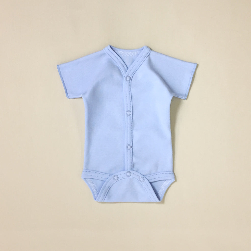 Front snap opening blue baby bodysuit