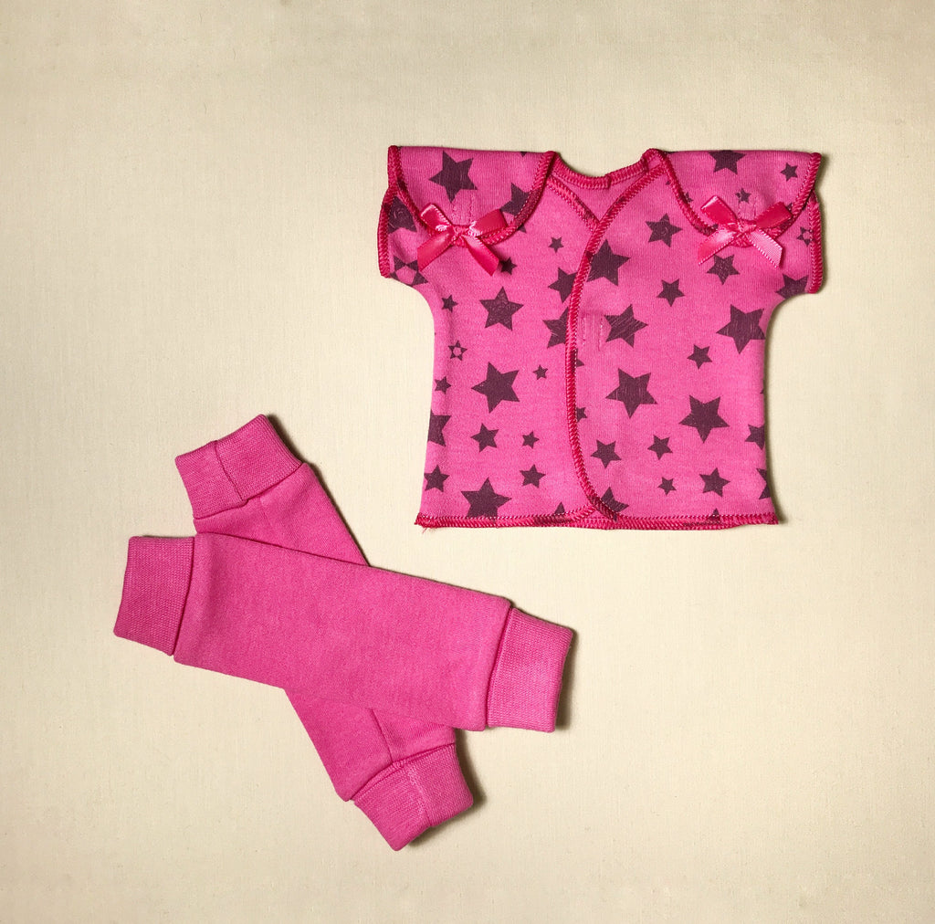NICU Friendly fuchsia leg warmers preemie baby with NICU Friendly Fuchsia Stars t-shirt