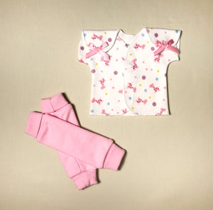 NICU Friendly pink leg warmers preemie baby infant clothing with Pink Giraffe Bubbles NICU t-shirt