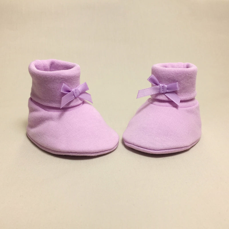 lilac cotton baby booties