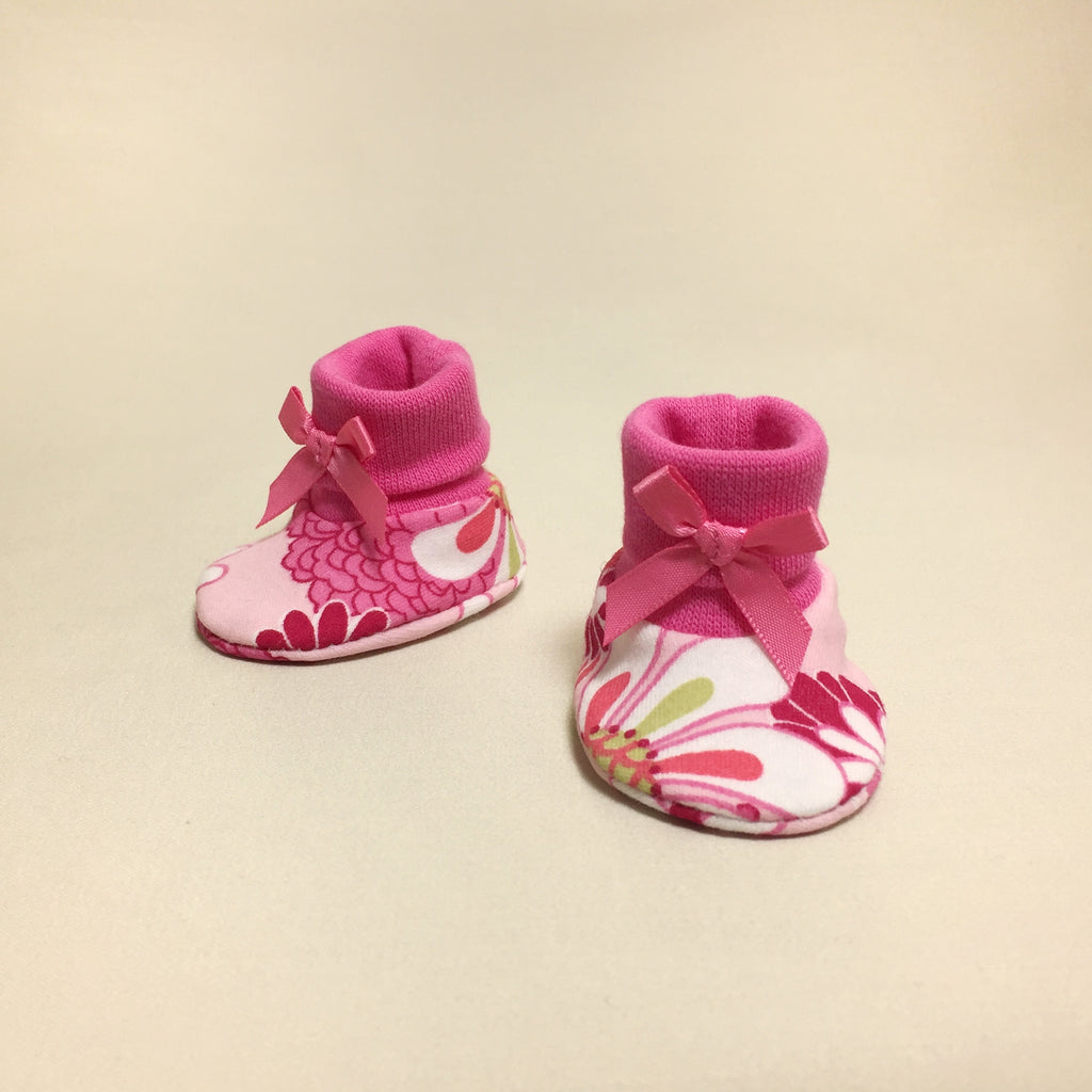 NICU Retro Flowers cotton baby booties - fuchsia
