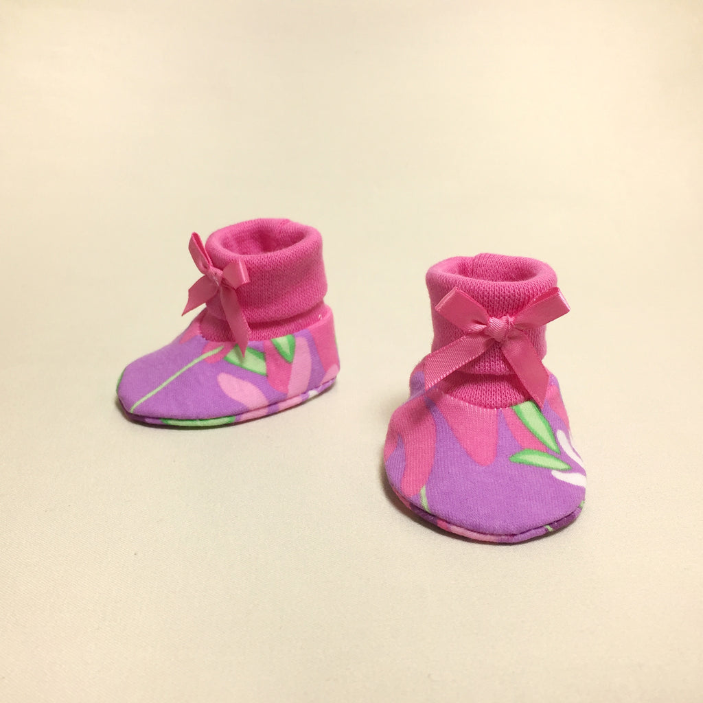 NICU Wildflower cotton baby booties - fuchsia