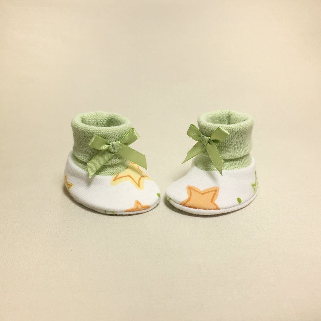 NICU Twinkle cotton baby booties - green