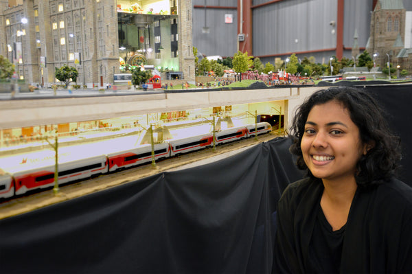 Manar Hossein and a miniature train