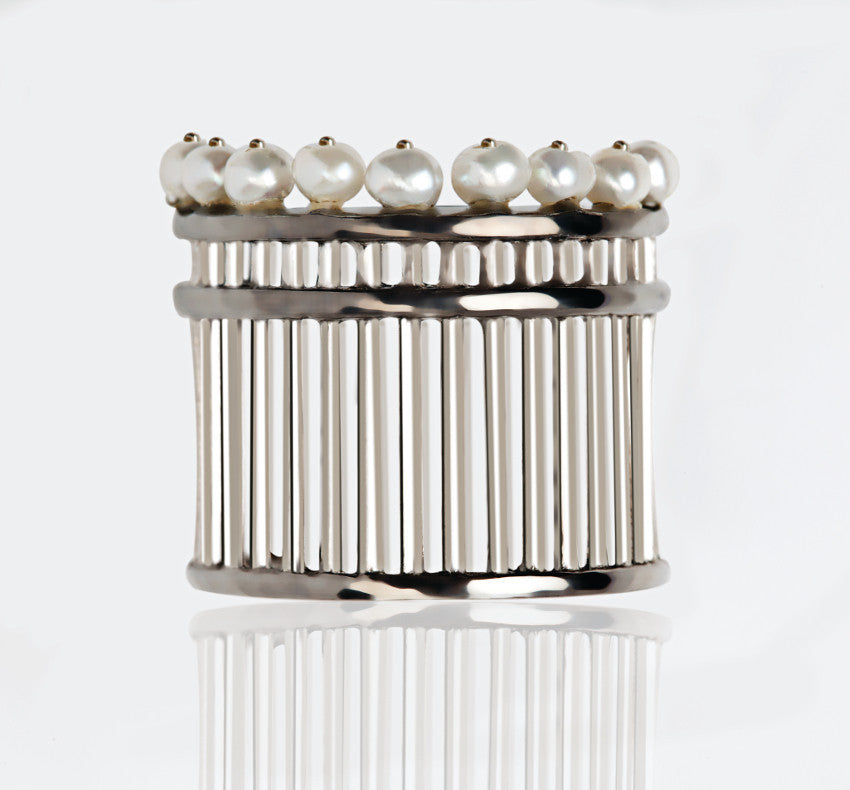 PEARL PILLAR SILVER & BLACK RING