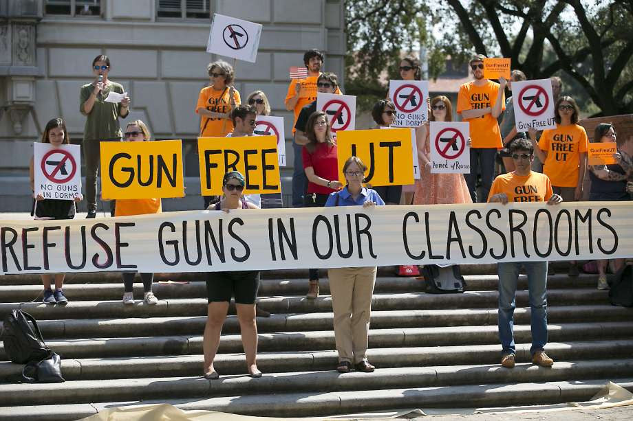 Campus carry prompts UT architecture dean to leave