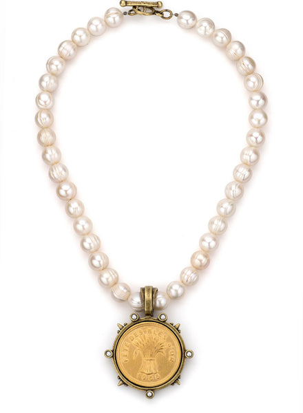 French Kande PEARLS WITH GOLD BLES D'OR MEDALLION