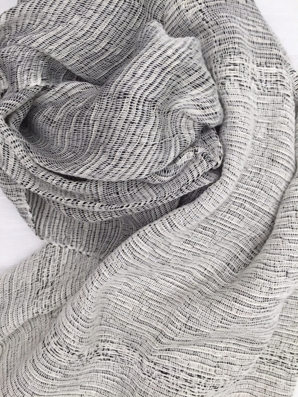 Cabo scarf - gray scale