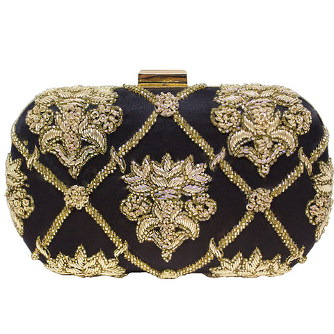 Gilded embroidered Clutch