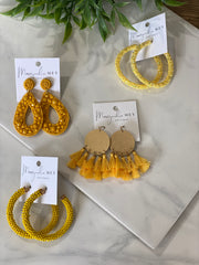 GIRL ON THE GO EARRING - YELLOW