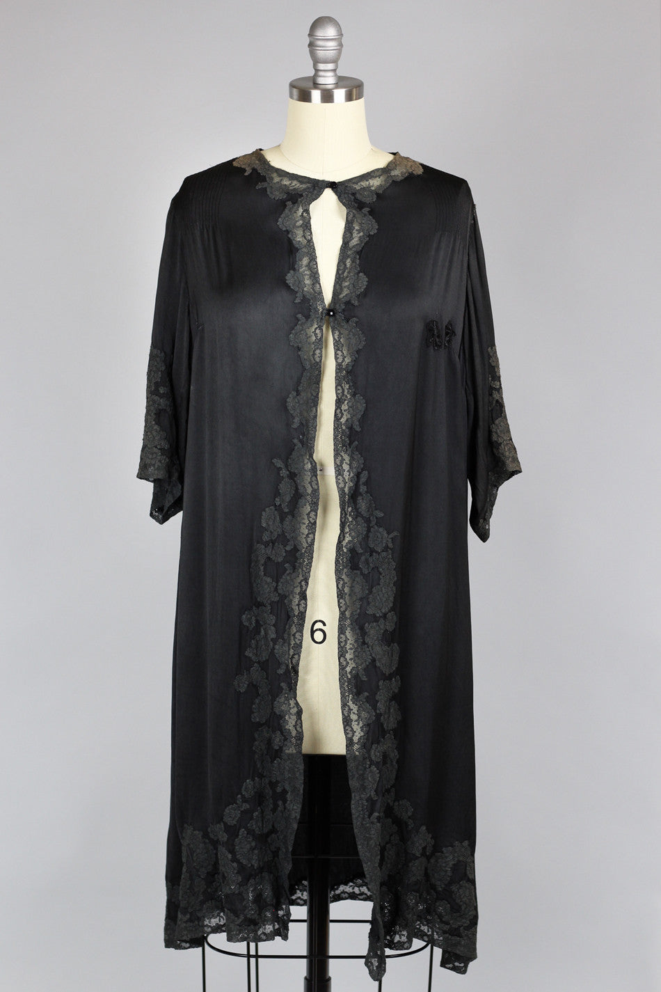 4960dd0e0041c Bon Seline 1920s Silk Charmeuse Lace Duster Robe – The Vintage Net