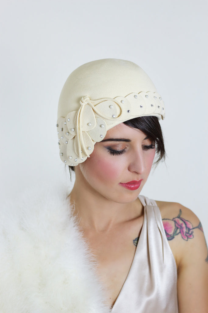 1940s Cream Wool Flapper Style Hat