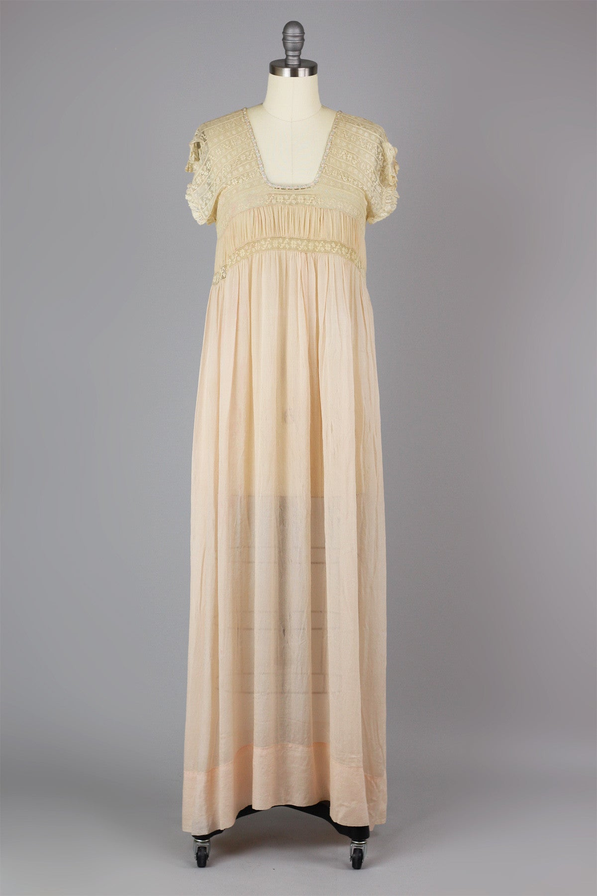 357aa70c35efd Rare 1920s French Grecian Style Crinkle Gauze Silk and Filet Lace Nightgown