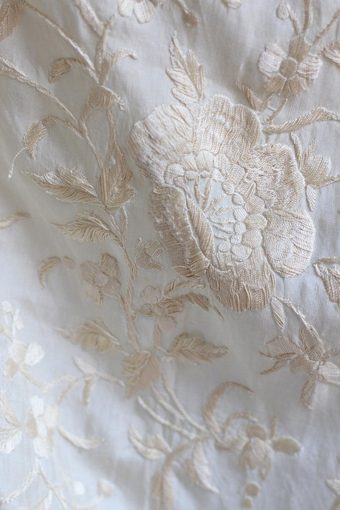 1920s Chinese Silk Hand Knotted & Embroidered Shawl