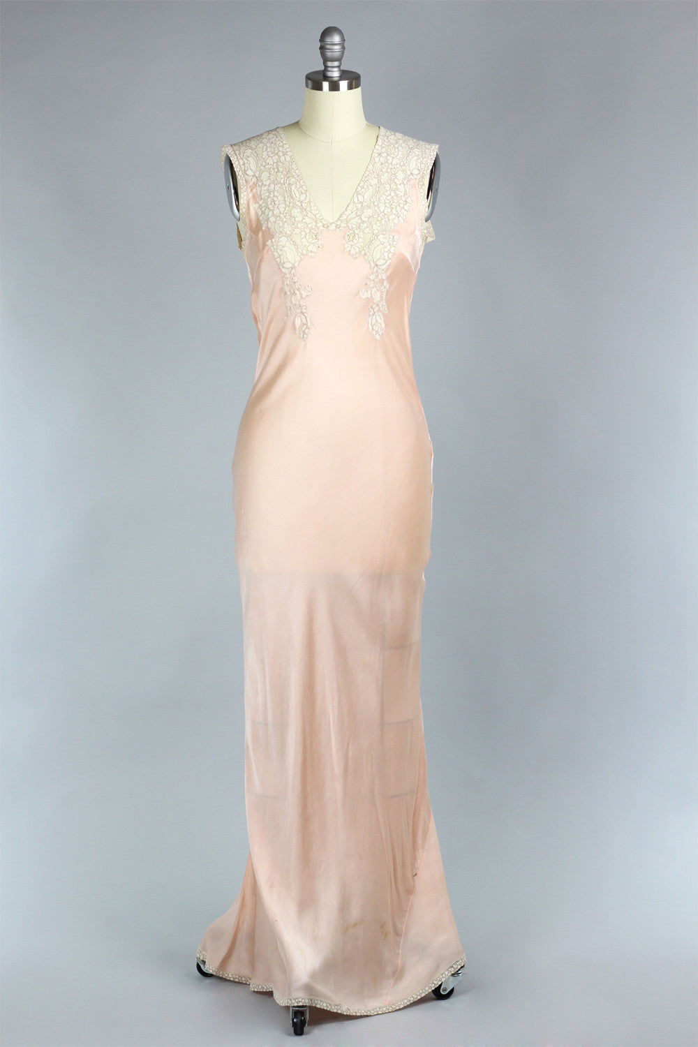 Perle D\'Or 1930s Silk Charmeuse Gown with French Lace – The Vintage Net