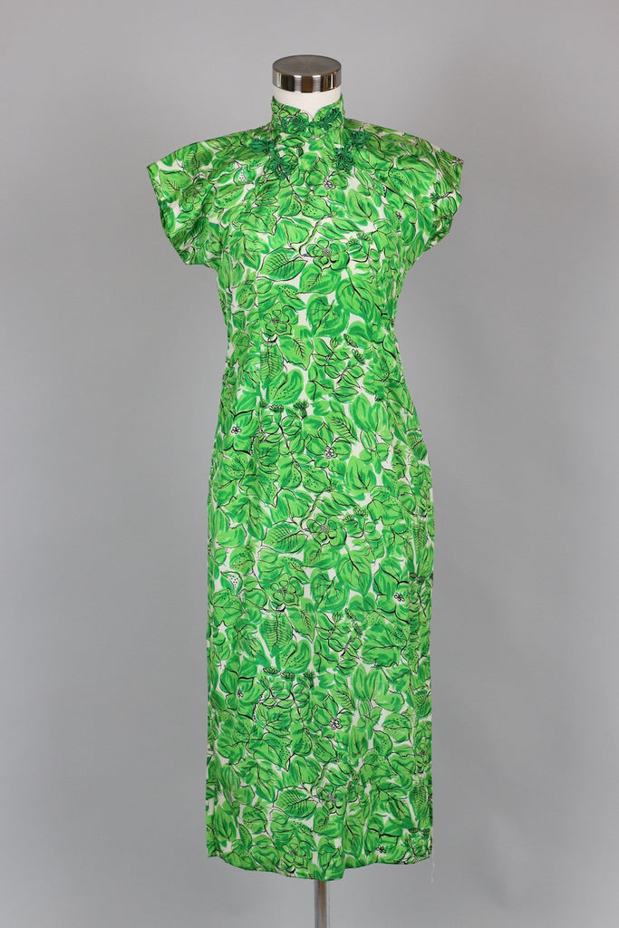 1940s Floral Silk Cheongsam Dress in Lucky Green