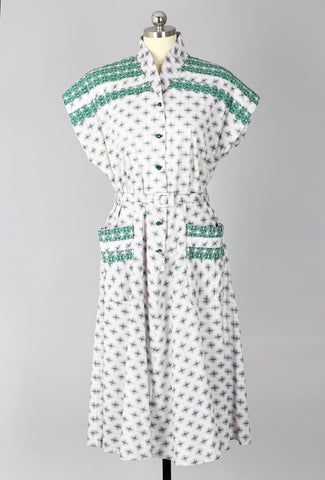 1940s Green Deco Print Plus Size Cotton Day Dress