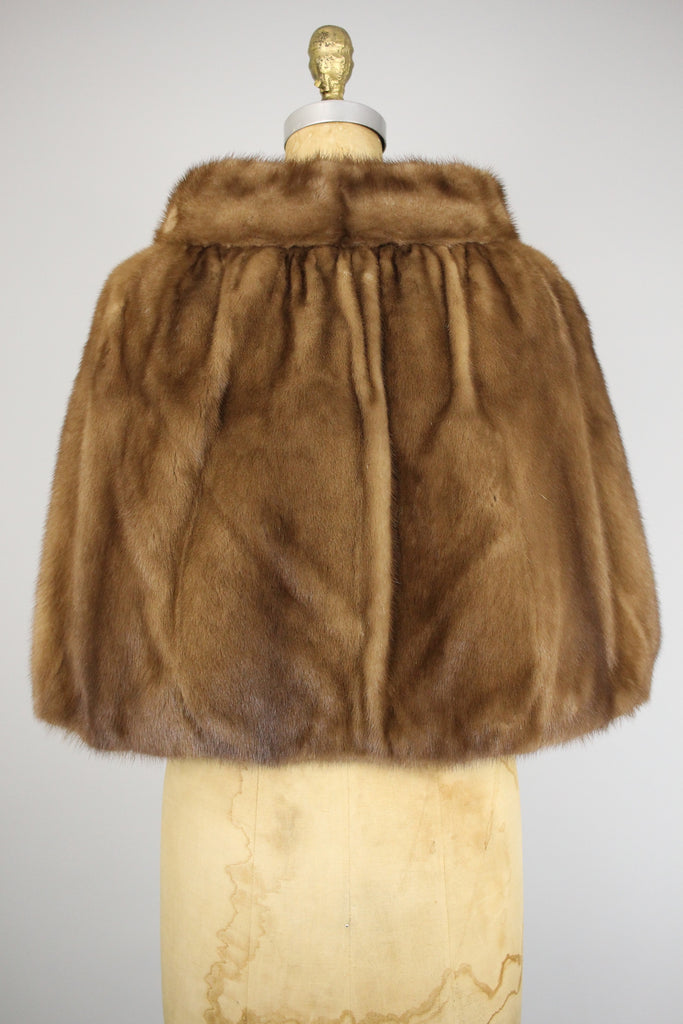 Gorgeous Honey Mink Fur Capelet with Pockets and Gloves