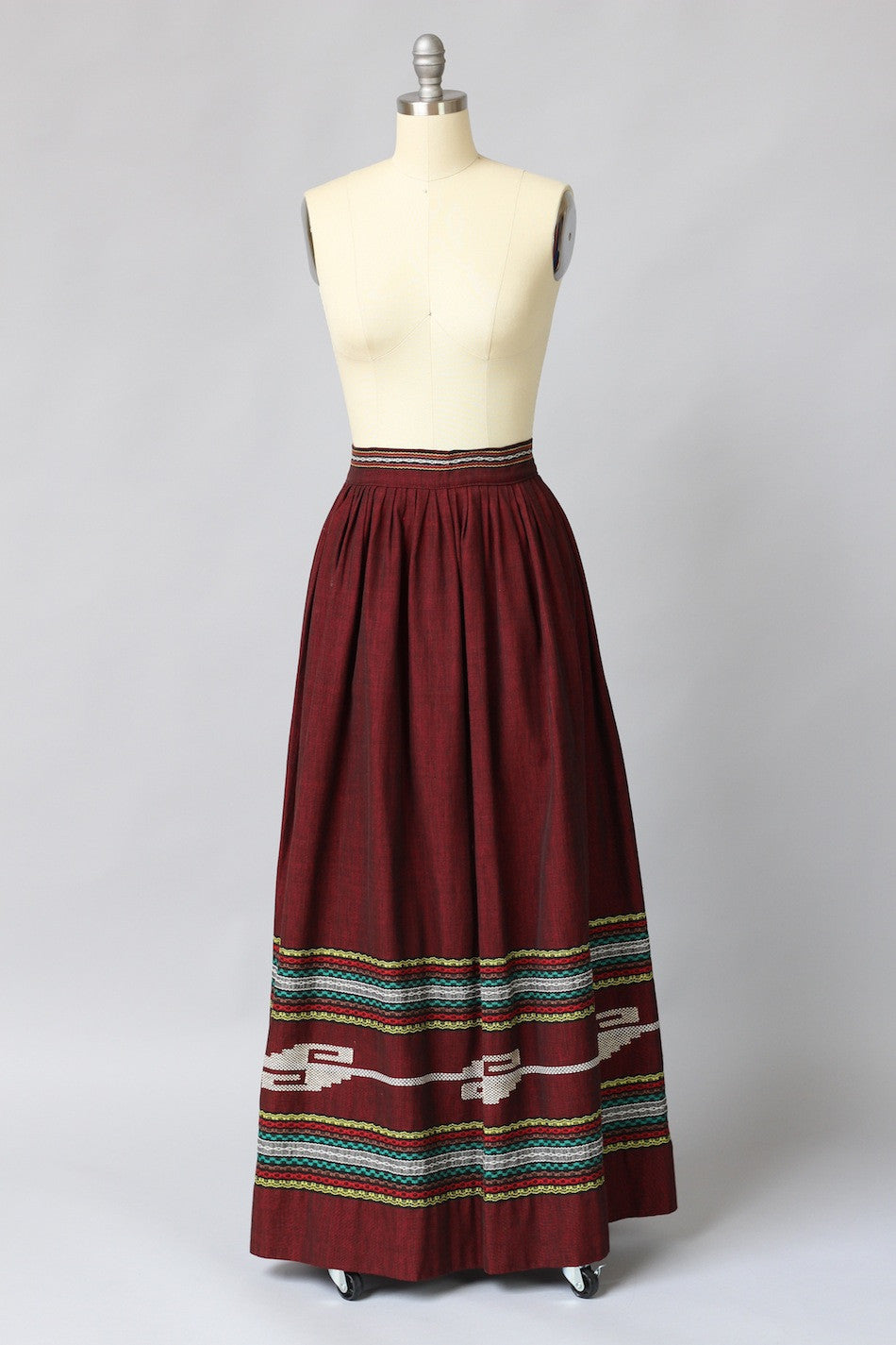 770cd11c0d 1950s Oaxacan Mexican Embroidered Maxi Skirt – The Vintage Net