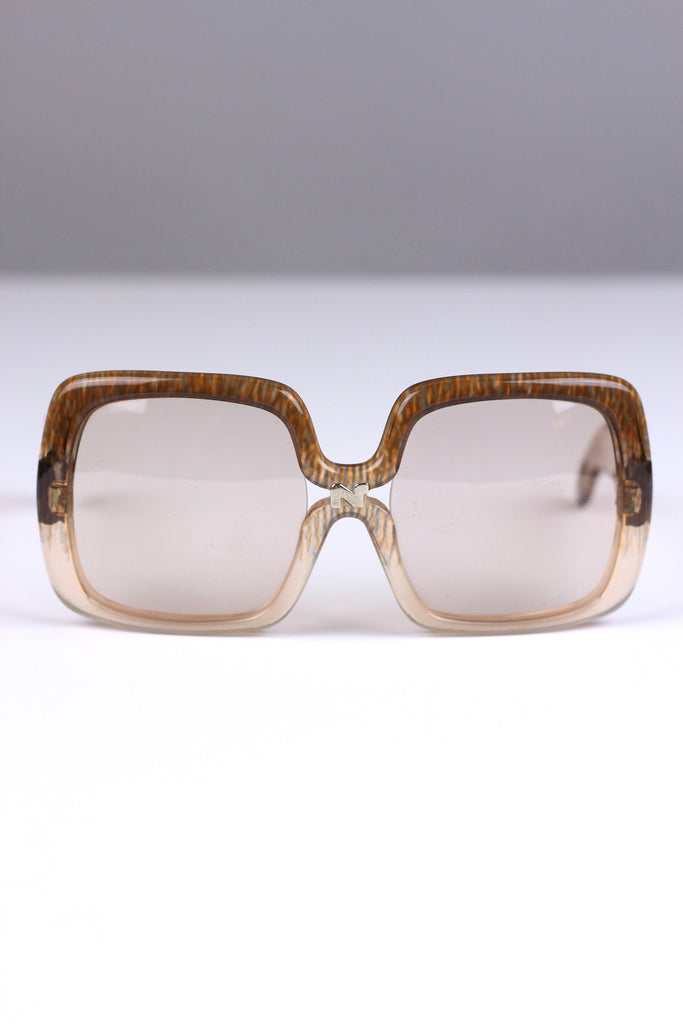 Vintage Jackie O Nina Ricci 1970s Sunglasses in Pale Brown