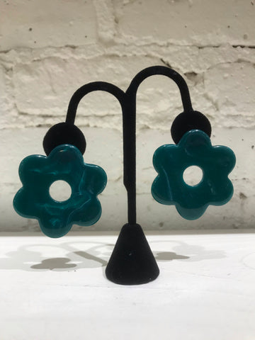 Lucite Daisy Earrings - Emerald Green