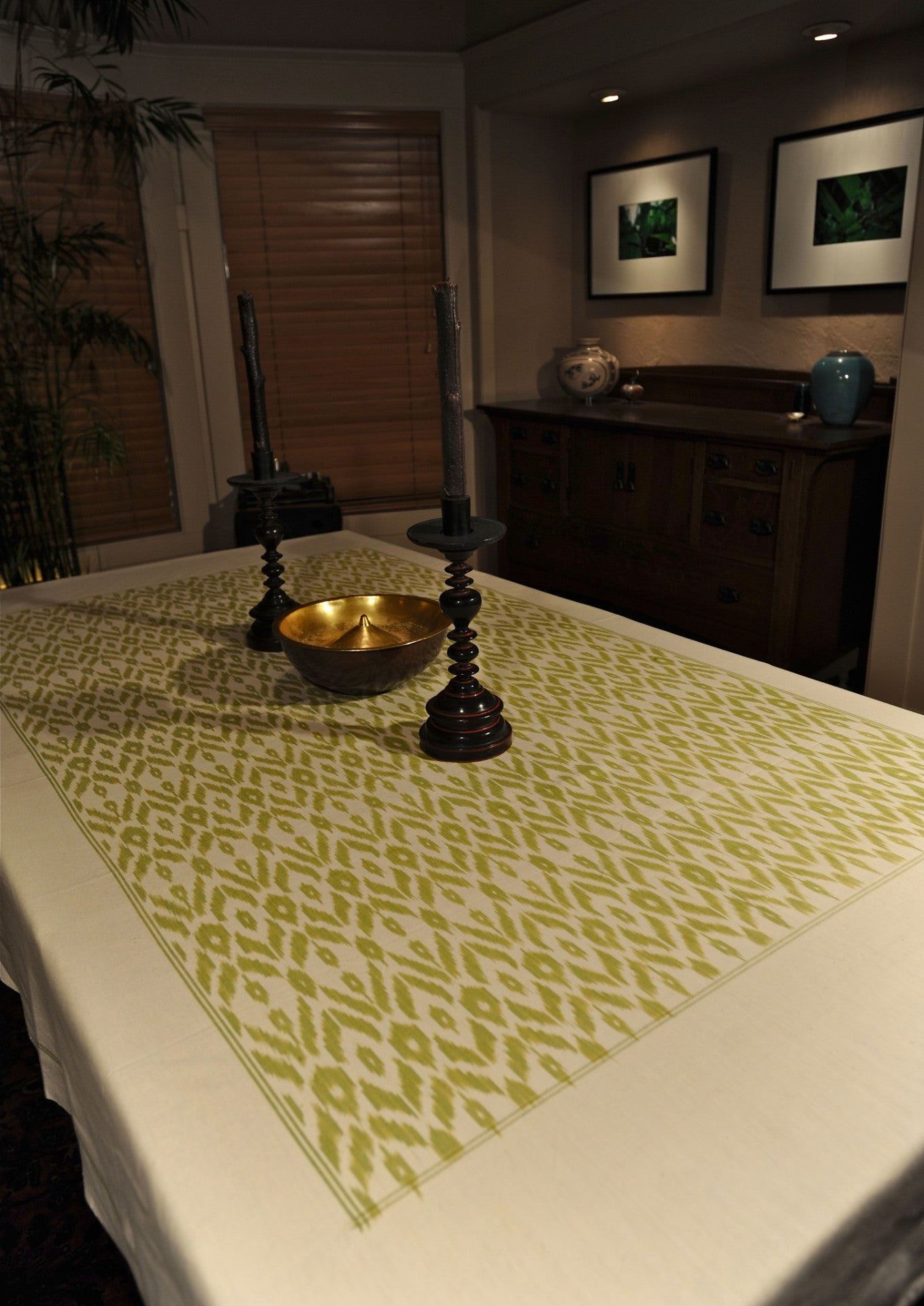 Cotton Ikat Iban Table Cloth Green/White