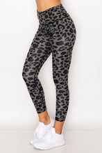 Load image into Gallery viewer, Black/Grey Leopard Print Leggings