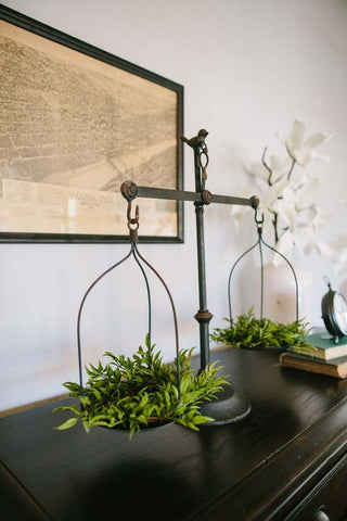 Balance scale with floral decor