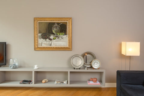 Vintage and antique artwork are the ideal gift for friends who love antiques!