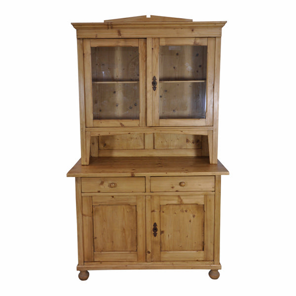 Kitchen Cabinet with Side Cutout